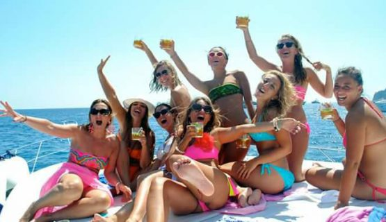 hen party group on the boat party