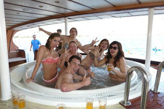 jacuzzi-on-the-mtv-boat-party-gran-canaria